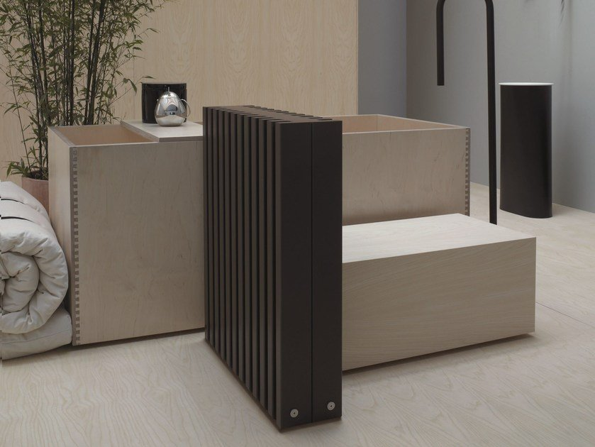 Floor-standing hot-water radiator SOHO | Floor-standing radiator by Tubes Radiatori