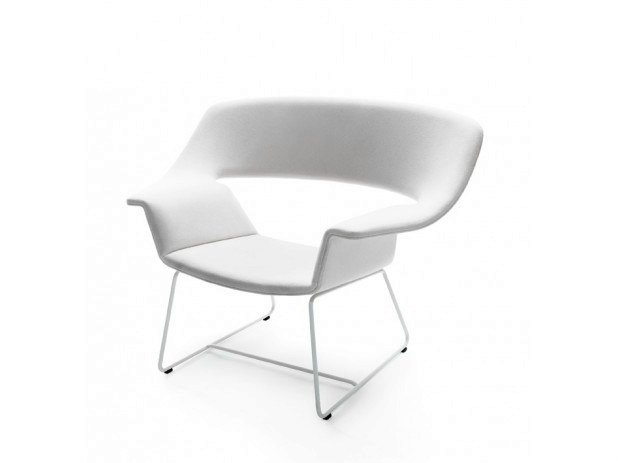 Sled base upholstered easy chair with armrests NIETOS by Nikari