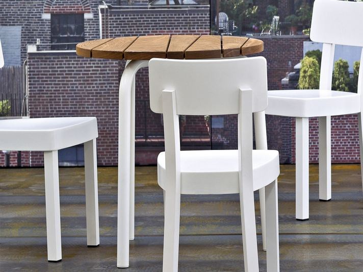 Round garden table INOUT 841 by Gervasoni