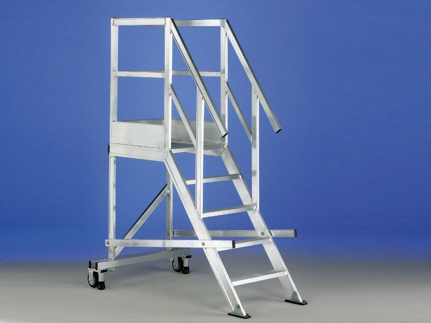 Mobile scaffolding and ladder for construction site TORRETTA by SVELT
