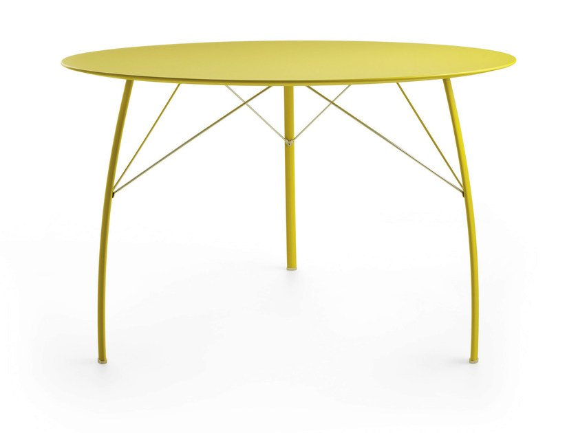 Lacquered round wooden table SOSPESO R by Crassevig