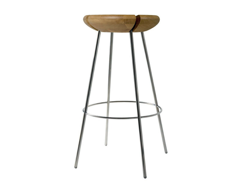 High solid wood stool TRIBO | High stool by Objekto