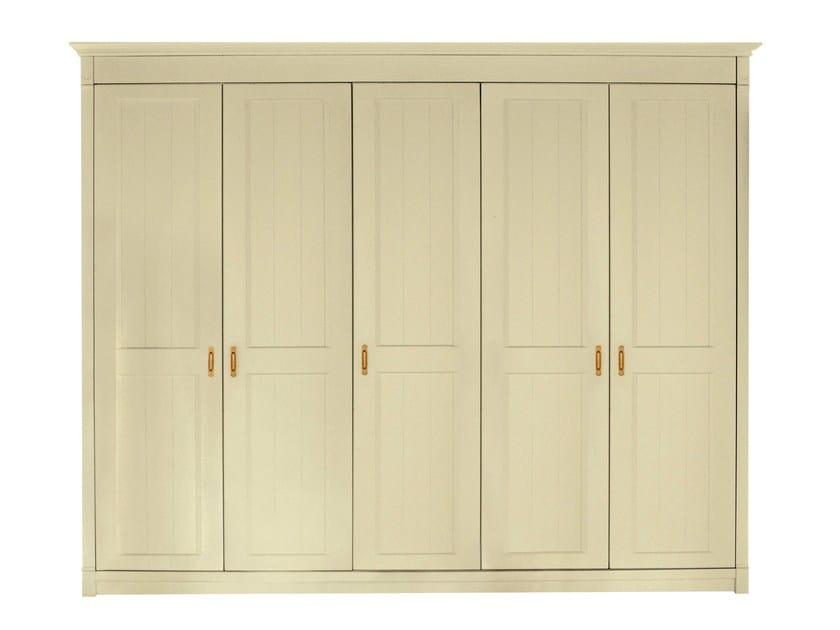 Solid wood wardrobe RICHMOND   Wardrobe by Minacciolo
