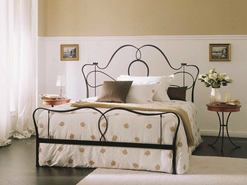 classic style iron double bed marlen by bontempi design studio carlesi design. Black Bedroom Furniture Sets. Home Design Ideas