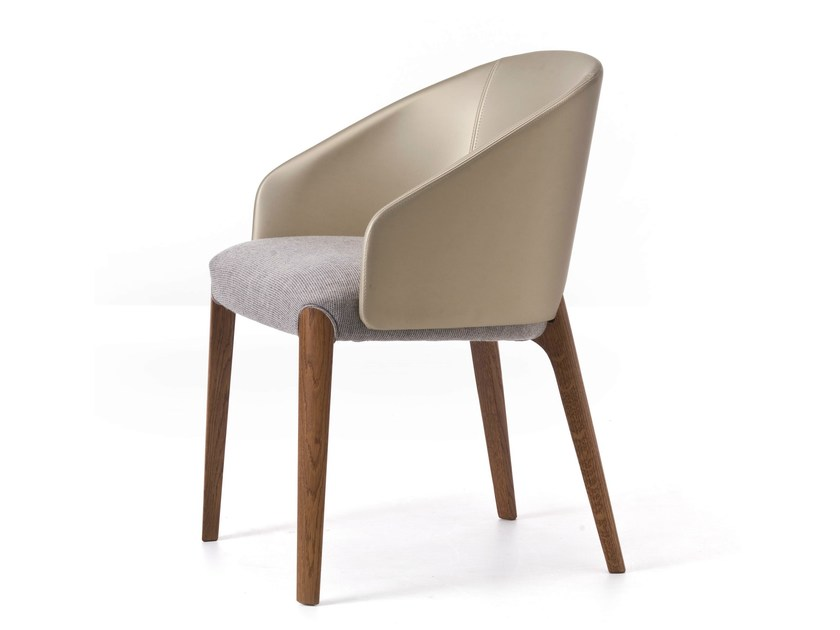 Upholstered fabric easy chair with armrests BELLEVUE 02 by Very Wood
