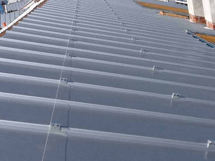 Metal sheet and panel for roof GENUS 10 PERFECT by Unimetal di Idrocentro