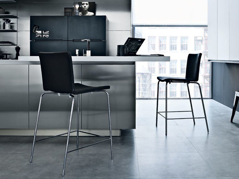 High stool with back NEX | High stool by poliform
