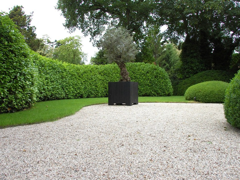 Caillebotis pour gazon en plastique gravelfix by granulati for Caillebotis plastique jardin