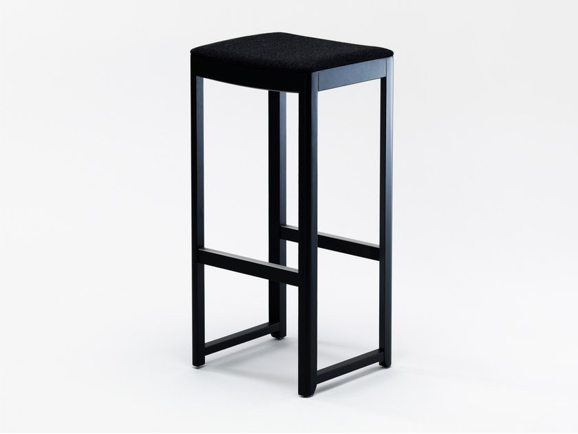 High upholstered stool SELERI | Upholstered stool by Zilio A&C