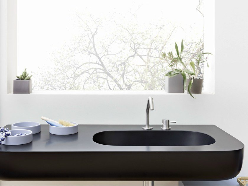 Corian® washbasin with integrated countertop ESPERANTO | Washbasin with integrated countertop by Rexa Design