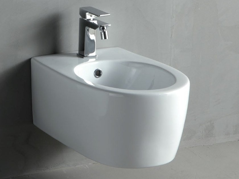 White-paste bidet BOLD | Wall-hung bidet by RIFRA