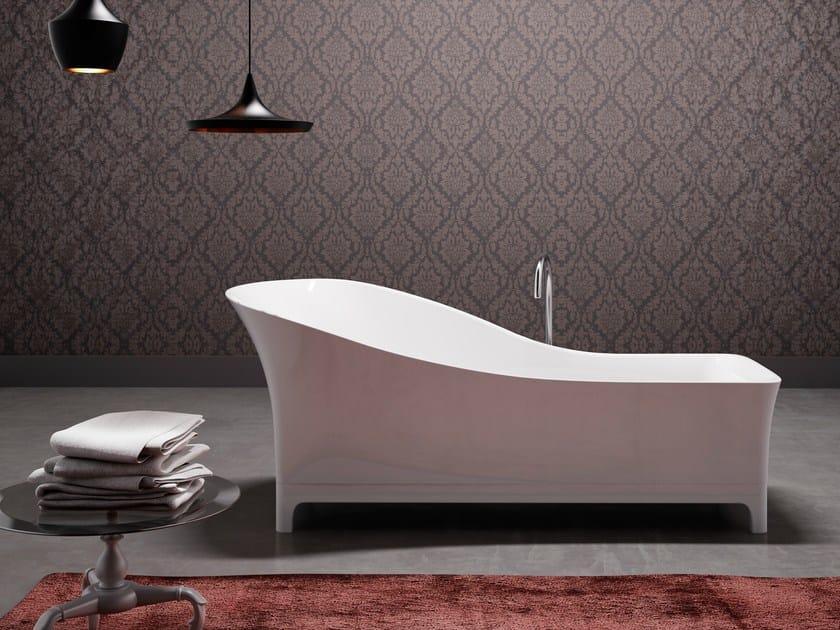 Freestanding bathtub in MineraLite SOFA by Glass1989