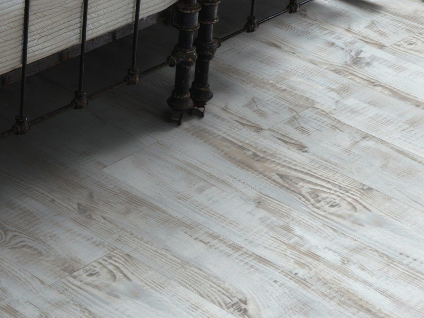 Synthetic material floor tiles with wood effect SENSO NATURAL 7.25' by gerflor