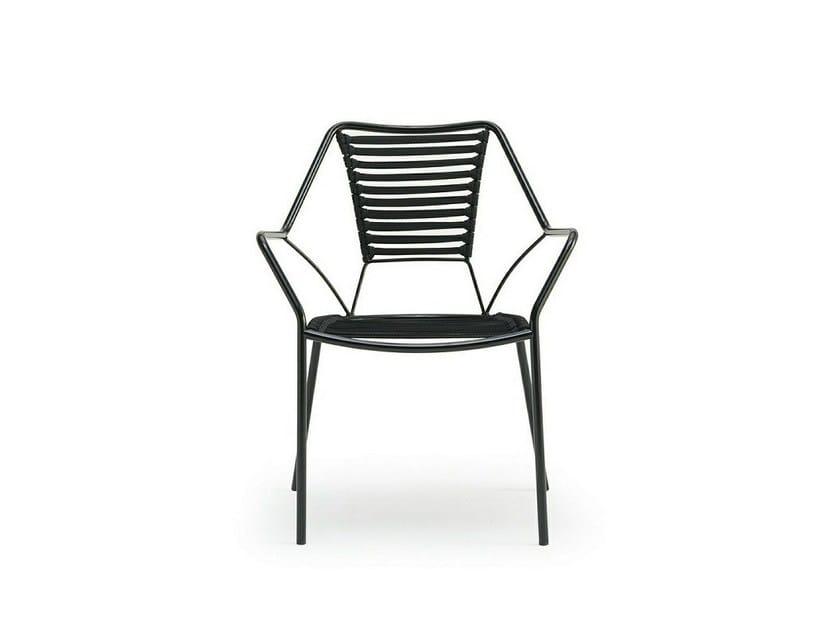 Sedia impilabile con braccioli KNIT KNOT by Inday
