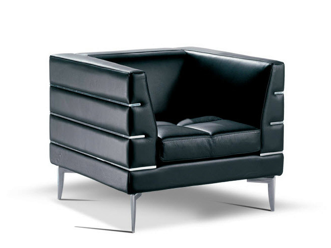 Upholstered leather armchair with armrests PRESTIGE   Armchair by Formenti