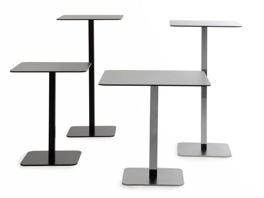 Square steel table VOILÀ | Square table by arrmet