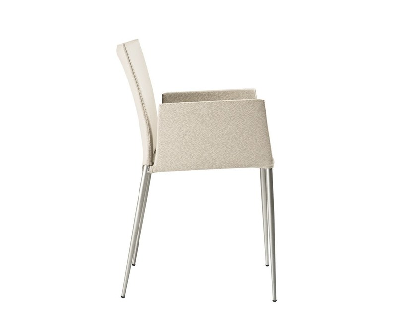 Upholstered chair with armrests MOKA | Chair with armrests by ONDARRETA