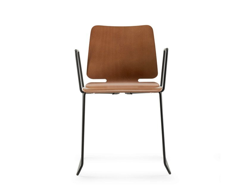 Sled base chair with armrests NOA | Chair with armrests by ONDARRETA