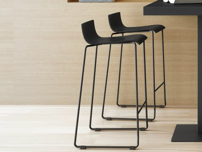 Sled base stool with footrest NOA 65 by ONDARRETA