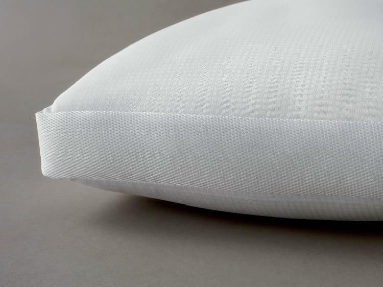 Rectangular pillow CLIMAPERFETTO TRASPIRANTE by Demaflex