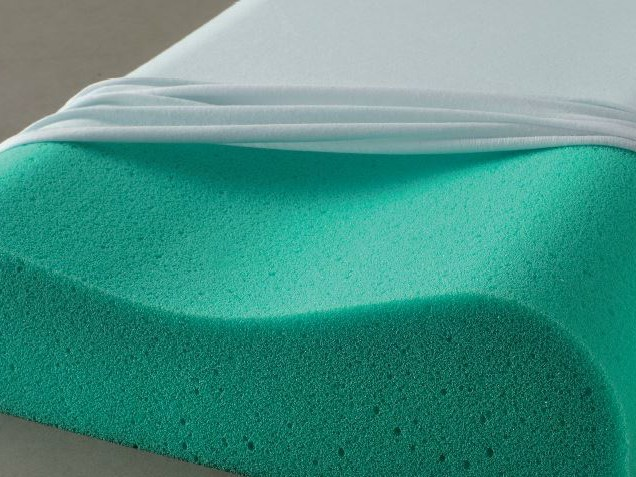 Rectangular memory foam pillow WATERAIR CERVICALE by Demaflex