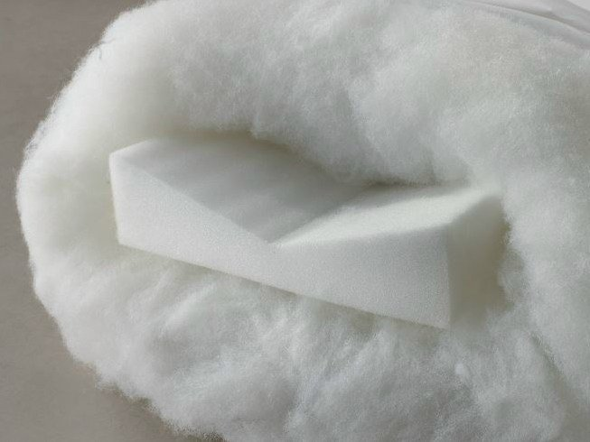 Rectangular polyester pillow HAPPY NIGHT by Demaflex