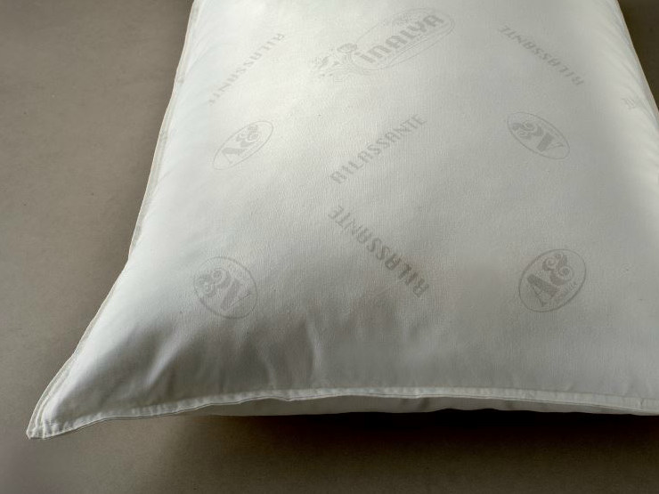 Rectangular polyester pillow SONNIFERO by Demaflex