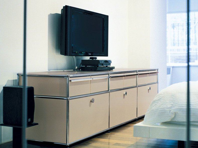 mobile tv componibile laccato in metallo usm haller sideboard mobile tv componibile usm. Black Bedroom Furniture Sets. Home Design Ideas