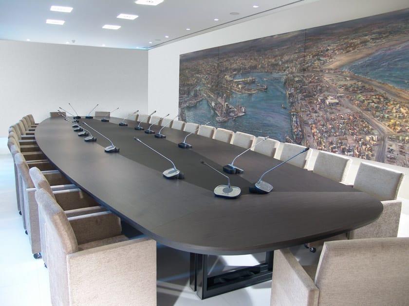 Tavolo da riunione ovale in legno marcus tavolo da riunione jose martinez medina - Ristrutturare tavolo in legno ...
