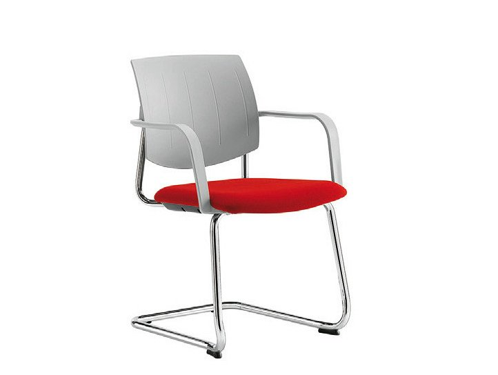 Cantilever visitor's chair Q-44 | Visitor's chair by Sesta