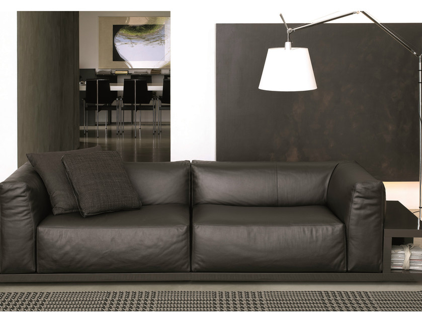 Leather sofa with integrated magazine rack SITIN | Leather sofa by MisuraEmme
