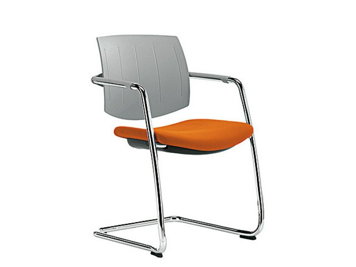 Cantilever reception chair Q-EASY   Chair with armrests by Sesta