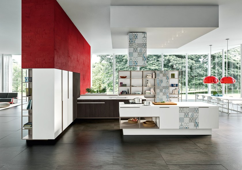 Kitchen with island with integrated handles ORANGE EVOLUTION | Kitchen with island by Snaidero