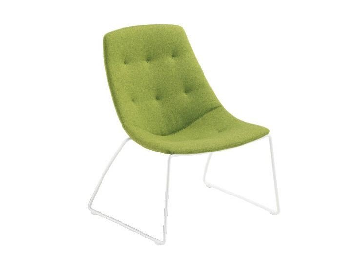 Sled base fabric easy chair FREE | Easy chair by Sesta
