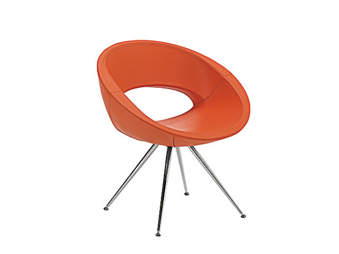 Trestle-based easy chair with armrests SMILE | Trestle-based easy chair by Sesta