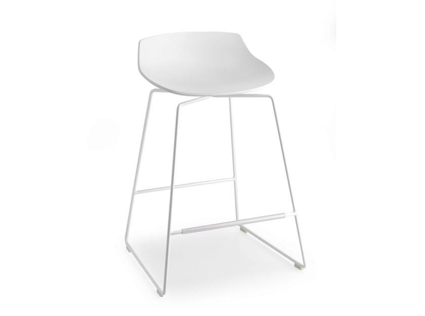 High sled base stool with footrest FLOW STOOL | Sled base stool by MDF Italia