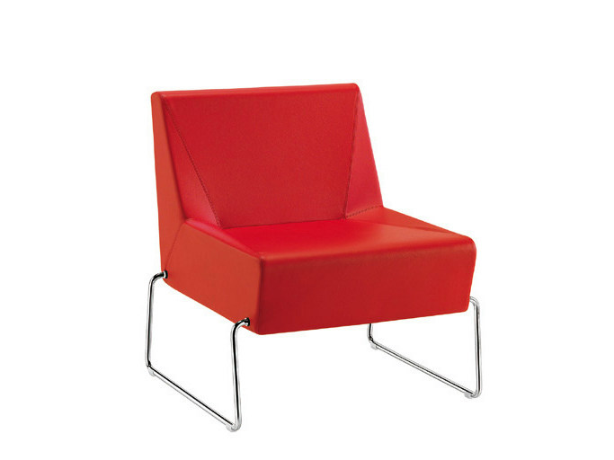 Sled base upholstered easy chair MODULO | Easy chair by Sesta