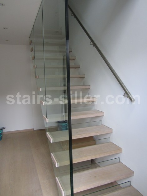 Wood and glass Open staircase with lateral stringers UK AND USA SOLUTION FOR MISTRAL STAIRS   Open staircase by Siller Treppen