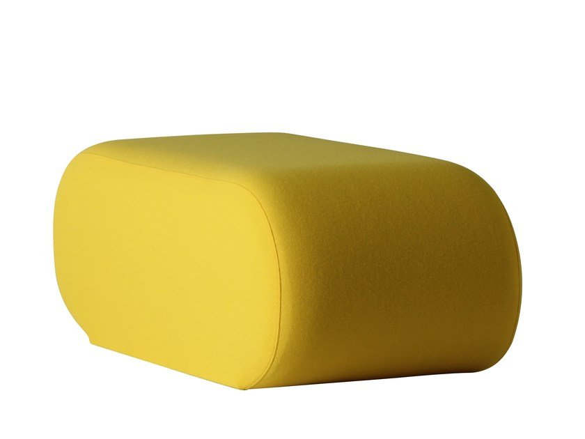Upholstered fabric pouf WELLE 5 by Verpan