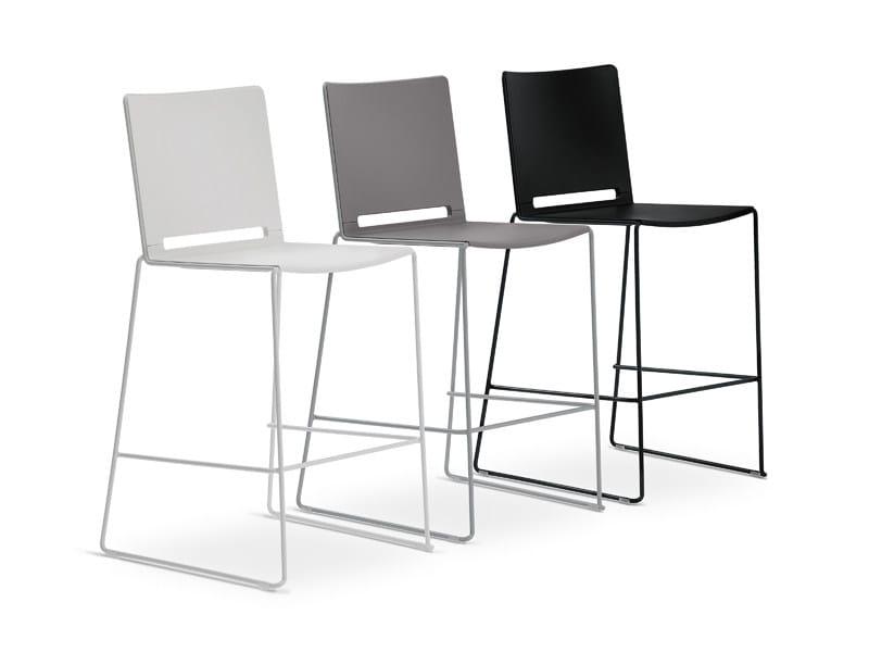 High polypropylene stool with back FILÒ PLASTIC | High stool by Diemmebi