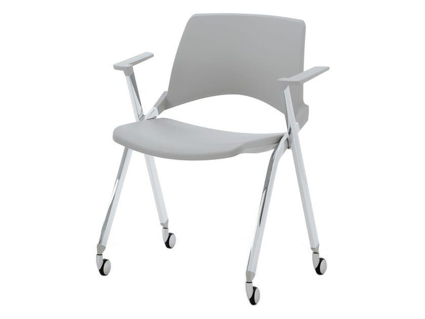 Folding plastic chair with armrests LAKENDÒ PLASTIC | Folding chair by Diemmebi