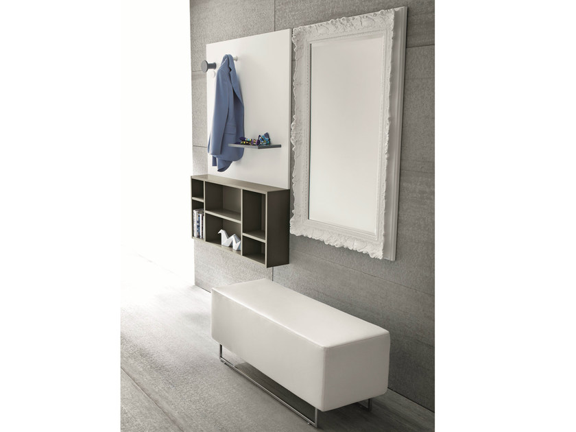 Lacquered wall-mounted hallway unit CINQUANTA | Lacquered hallway unit by Birex