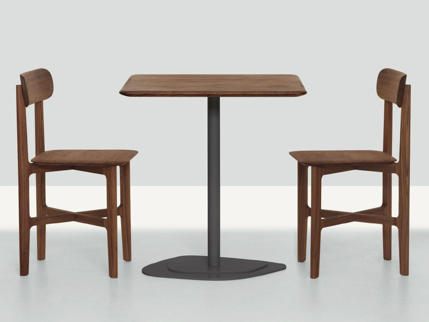 Square table KONTRA by ZEITRAUM