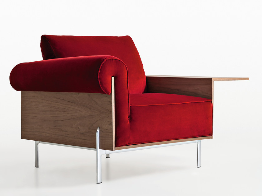 Upholstered armchair with armrests CONTRORA | Armchair by Molteni