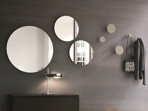 Round wall-mounted hall mirror Round mirror by Birex