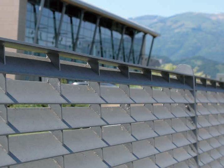 Screening steel Fence WALL SPORGENTE by GRIDIRON GRIGLIATI