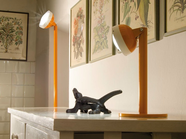 LED adjustable polycarbonate table lamp QUID | Table lamp by Lombardo