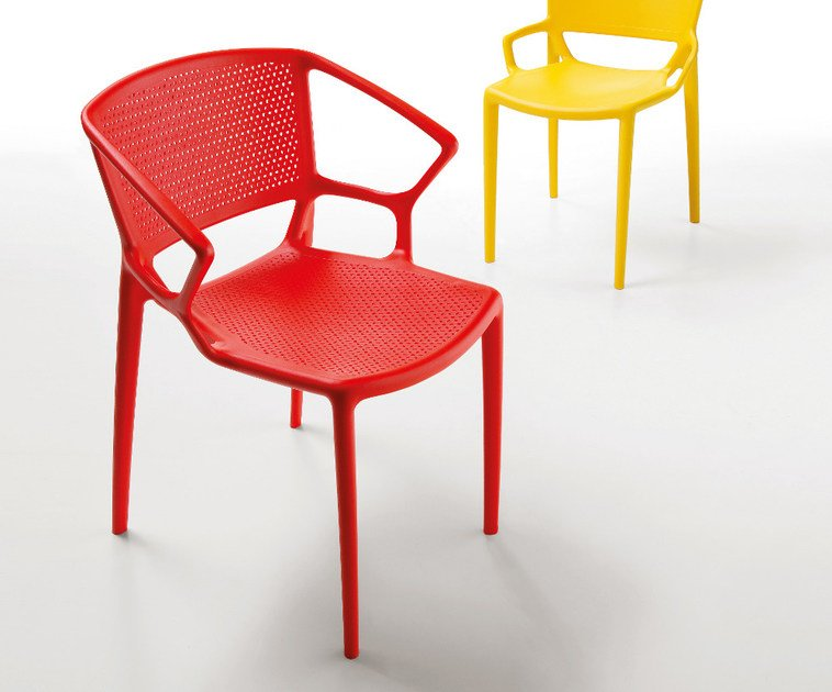 Stackable chair with armrests FIORELLINA | Chair with armrests by Infiniti
