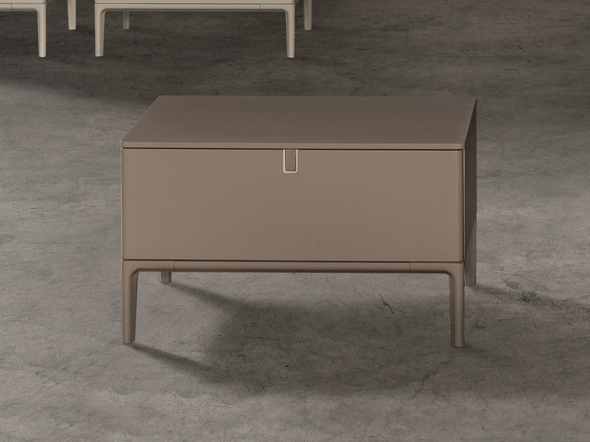 Lacquered bedside table with drawers INSIDE   Bedside table by ALIVAR