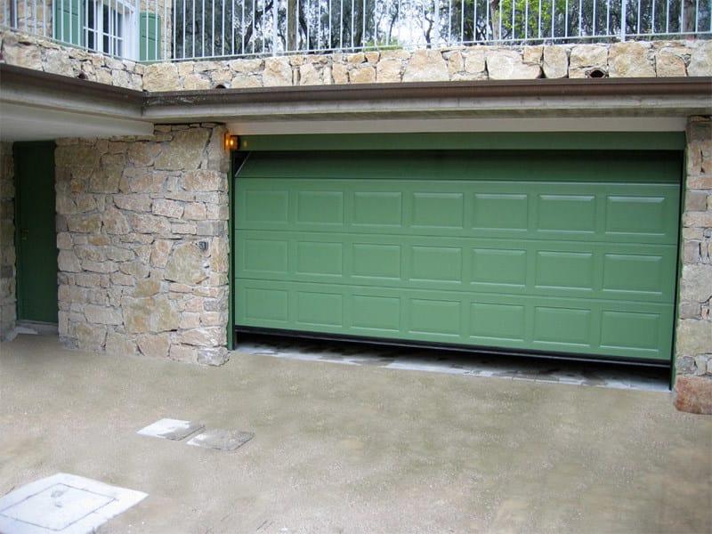 Galvanized steel garage door ATS RL42 | Garage door by Bremet